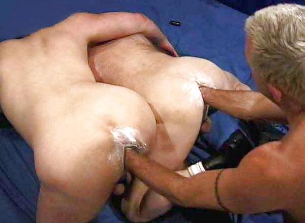 Видео жесткого фистинга мужского анала 14