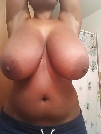 nude sunbathing babes