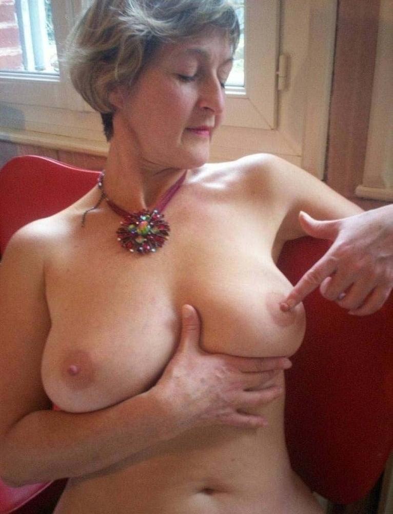 In praise of older women! - 37 Pics