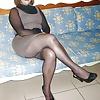 Candid Sexy Mature - Voyeur Crossed Legs - Hidden Camera