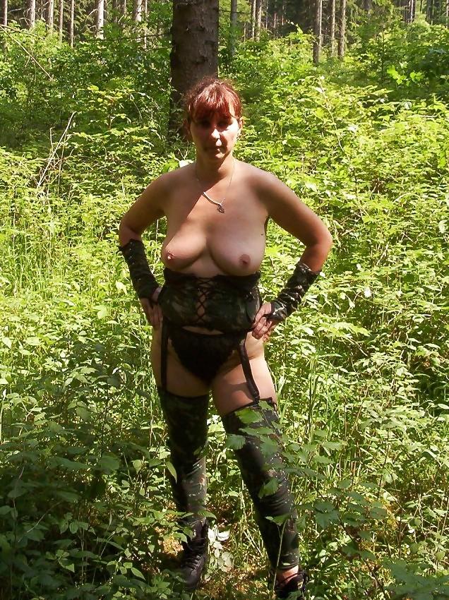 сиськи кастинг старой шлюхи в лесу расскажу один