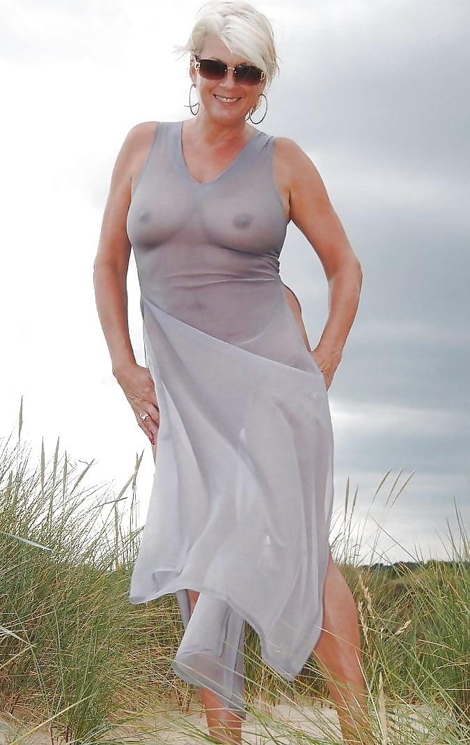 pics-of-mature-women-wearing-robes-hot-girls-tan-beach-nude