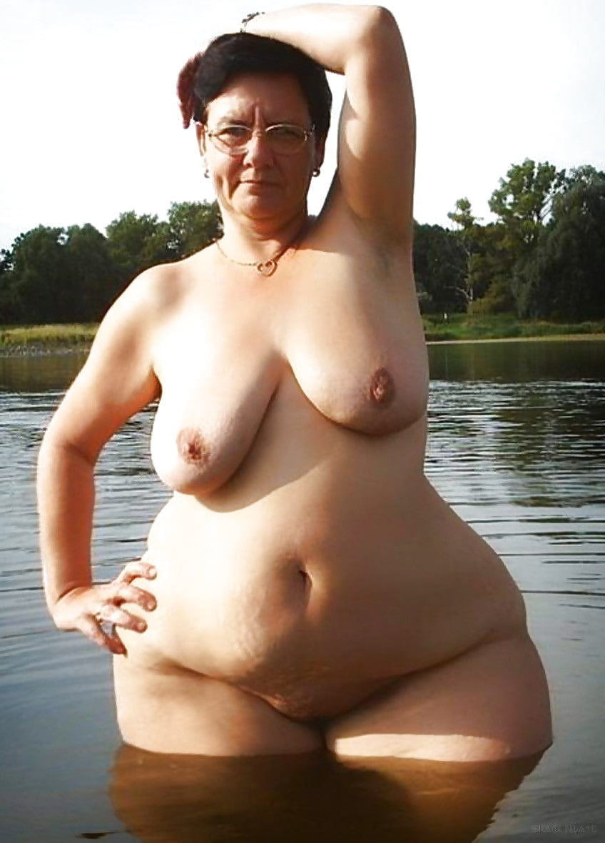 Nude older women with wide hips, free nude black pussy