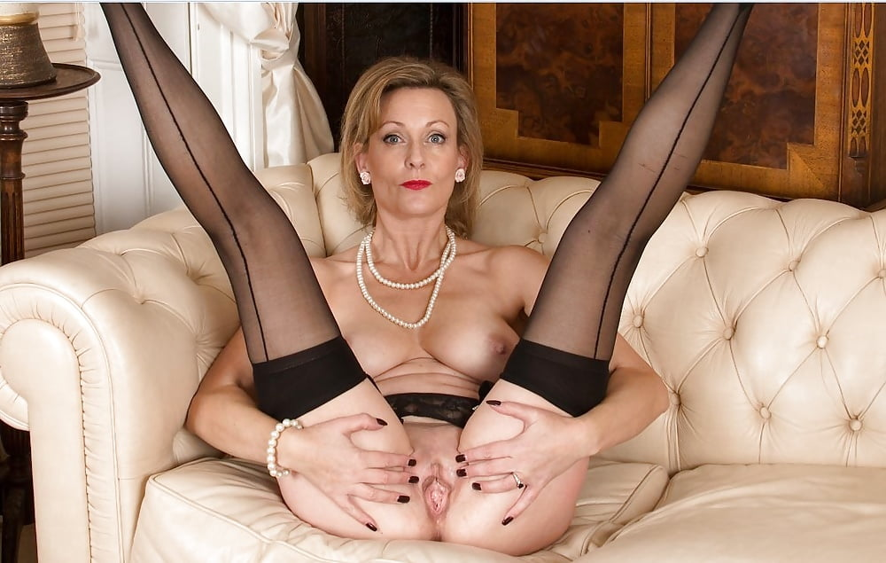 Cougar Mature Milf Stockings