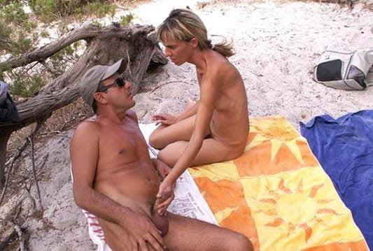 Porno pissing in strada video