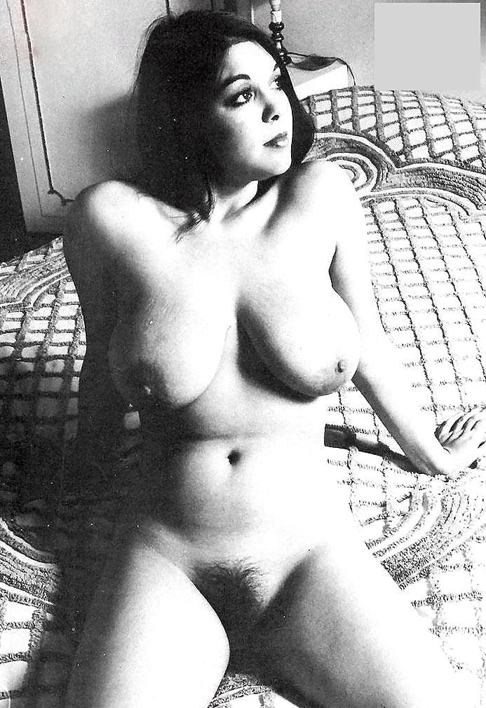 curvy-vintage-nude-free-hyderabadi-ladies-nude-picture