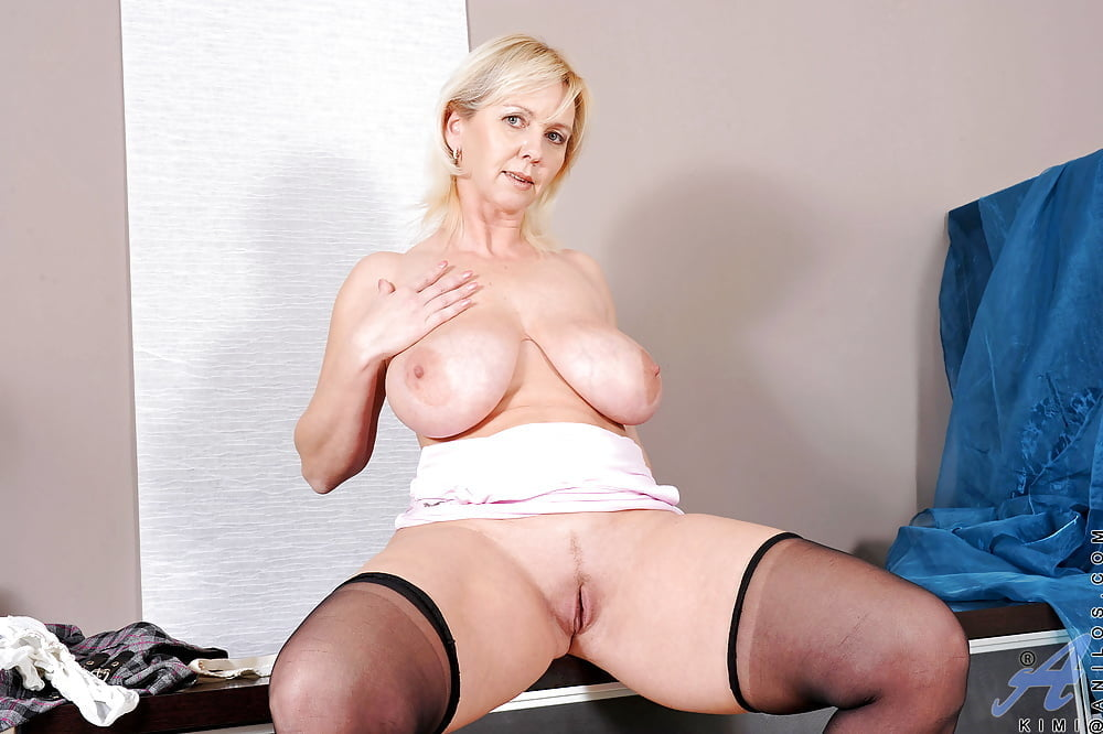 free-milf-literature-anna-nicole-video-black-cocks