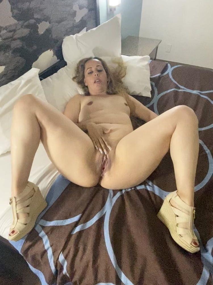 Random Ladies 16 - 49 Pics