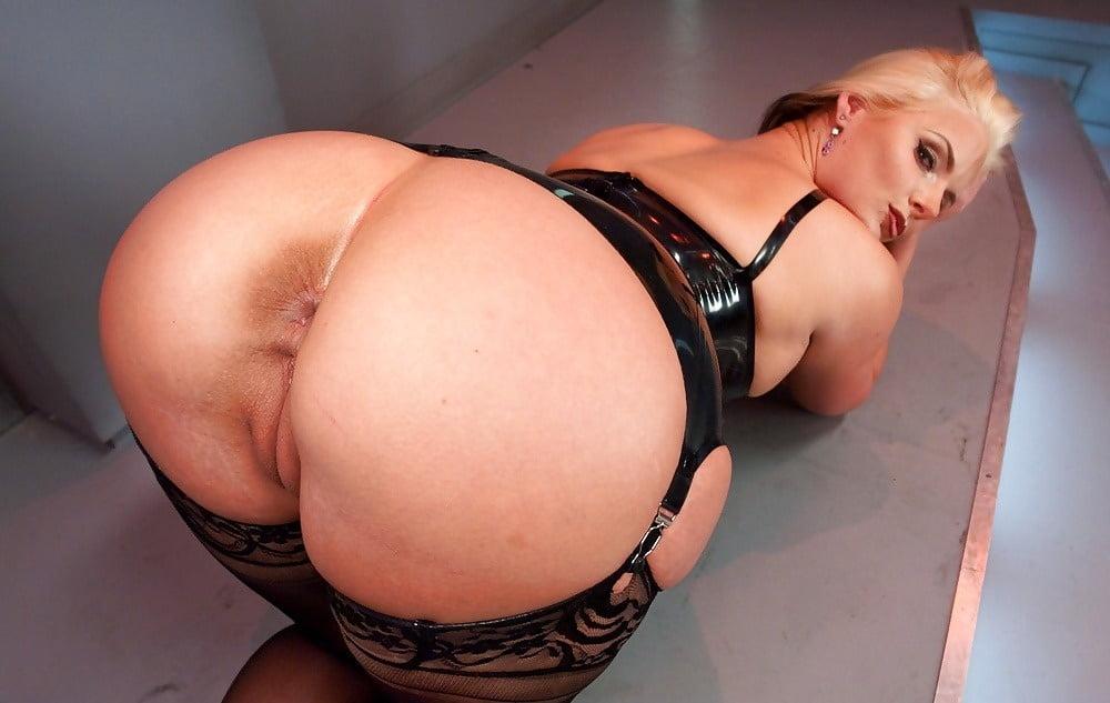 Огромные жопы блондинки порно фото — 15